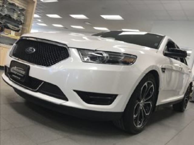 2016 ford taurus sho awd twin turbo ecoboost white lease busters. Black Bedroom Furniture Sets. Home Design Ideas