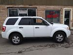 2010 Ford Escape XLT in Hamilton, Ontario image 10