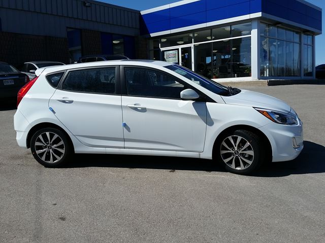 2017 hyundai accent se only 50 weekly orillia ontario new car for sale 2662562. Black Bedroom Furniture Sets. Home Design Ideas