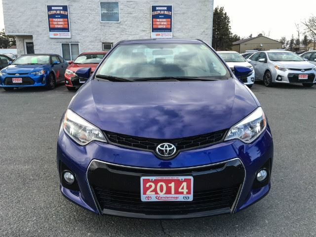 2014 toyota corolla l sport package cobourg ontario used car for sale 2663434. Black Bedroom Furniture Sets. Home Design Ideas