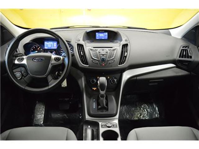 2015 ford escape se awd heated seats ottawa ontario used car for sale 2663876. Black Bedroom Furniture Sets. Home Design Ideas