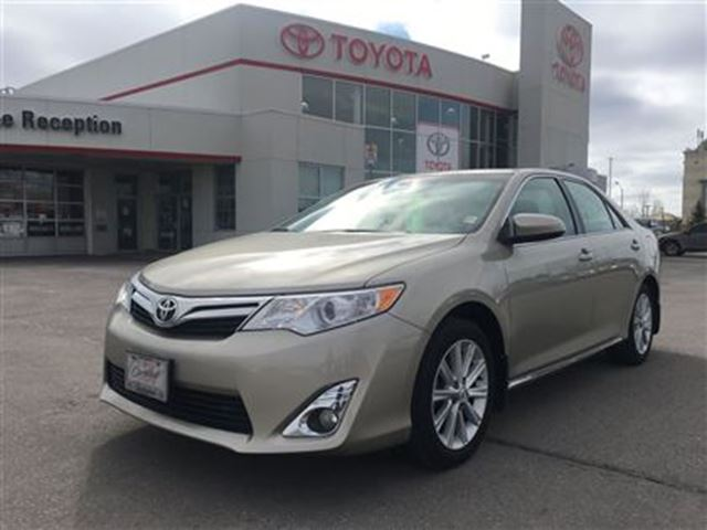 2014 toyota camry xle leather roof nav beige clarington toyota. Black Bedroom Furniture Sets. Home Design Ideas
