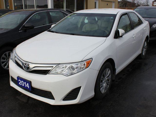 2014 toyota camry le brampton ontario used car for sale 2664142. Black Bedroom Furniture Sets. Home Design Ideas