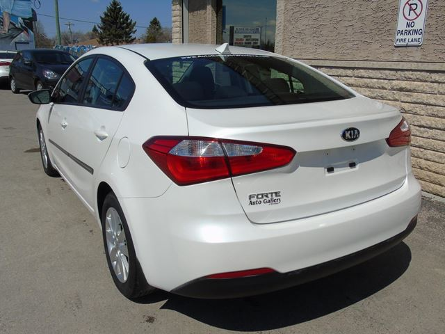 used 2015 kia forte lx sunroof winnipeg. Black Bedroom Furniture Sets. Home Design Ideas