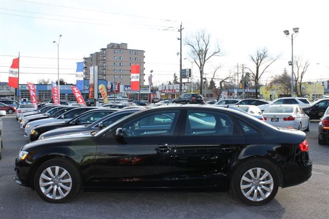 2013 Audi A4 QUATTRO **AWD/XENON LIGHTS/LED/ROOF/LEATHER** in Toronto, Ontario