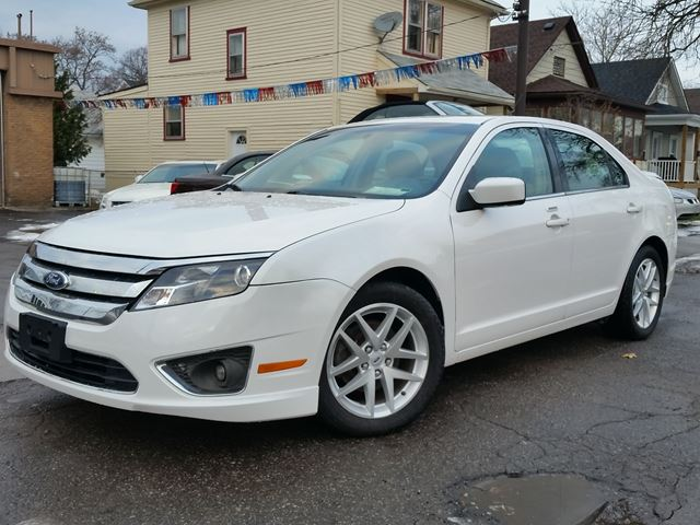 2011 Ford Fusion SEL w/factory pwr sunroof in St Catharines, Ontario