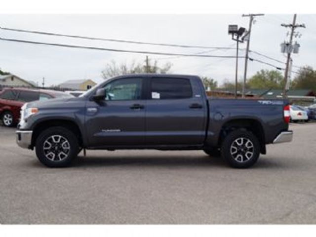 2016 toyota tundra 4wd crew max sr5 mississauga ontario used car for sale 2666655. Black Bedroom Furniture Sets. Home Design Ideas