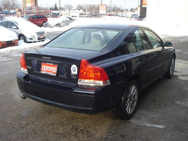 2005 volvo s60 2 5l scarborough ontario car for sale 2666607. Black Bedroom Furniture Sets. Home Design Ideas