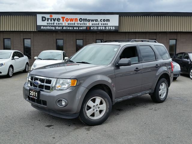 2011 ford escape xlt 4cyl moonroof grey drive time ottawa. Black Bedroom Furniture Sets. Home Design Ideas