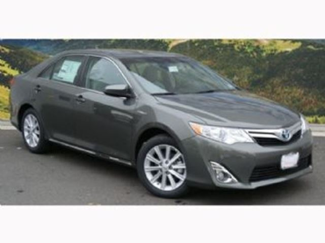 2014 toyota camry xle mississauga ontario used car for sale 2667705. Black Bedroom Furniture Sets. Home Design Ideas