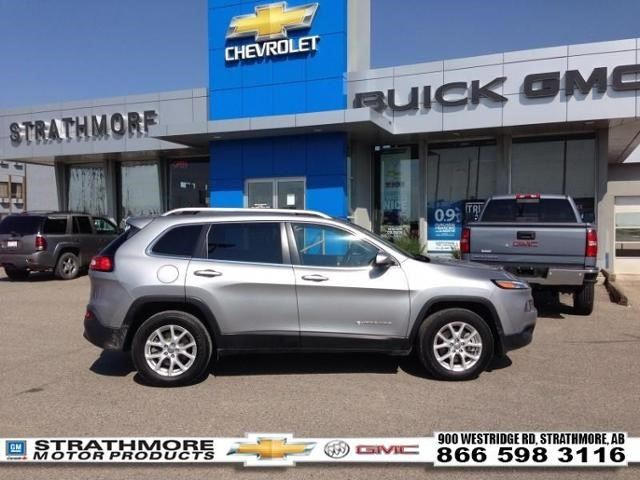 2015 Jeep Cherokee North Silver Strathmore Motor
