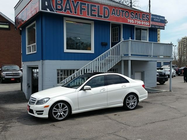 2013 MERCEDES-BENZ C-CLASS C350 4MATIC **Navigation/Reverse Camera/Panoramic Sunroof** in Barrie, Ontario
