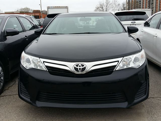 2012 toyota camry le 2 5 litre 4 cylinder engine cloth seats scarborough ontario car for. Black Bedroom Furniture Sets. Home Design Ideas