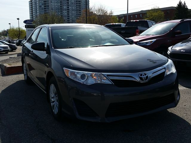used 2014 toyota camry le sedan 2 5 litre 4 cylinders scarborough wh. Black Bedroom Furniture Sets. Home Design Ideas