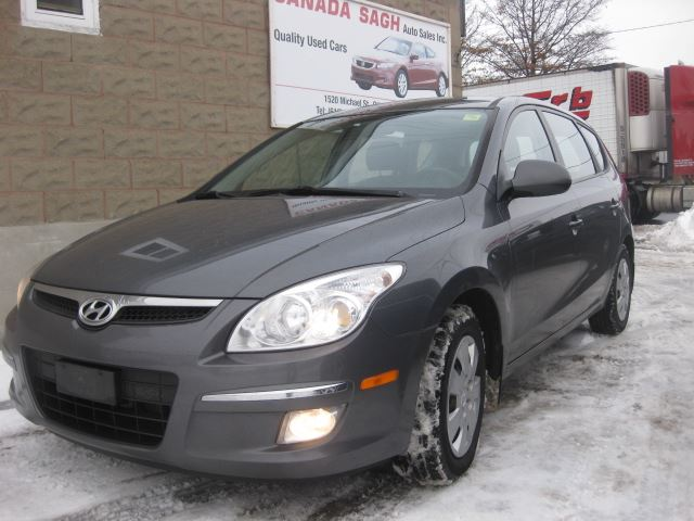 2009 hyundai elantra free free free 4 new winter tires or 12m wrty safety 5490 ottawa. Black Bedroom Furniture Sets. Home Design Ideas