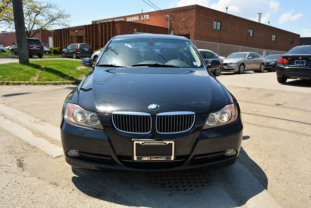 2006 bmw 3 series 330xi 6 speed navigation xdrive awd brampton ontario used car for. Black Bedroom Furniture Sets. Home Design Ideas