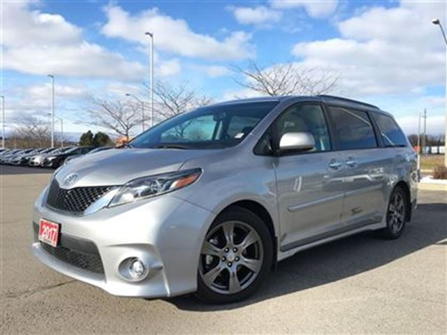 2017 toyota sienna se bowmanville ontario used car for sale 2671525. Black Bedroom Furniture Sets. Home Design Ideas