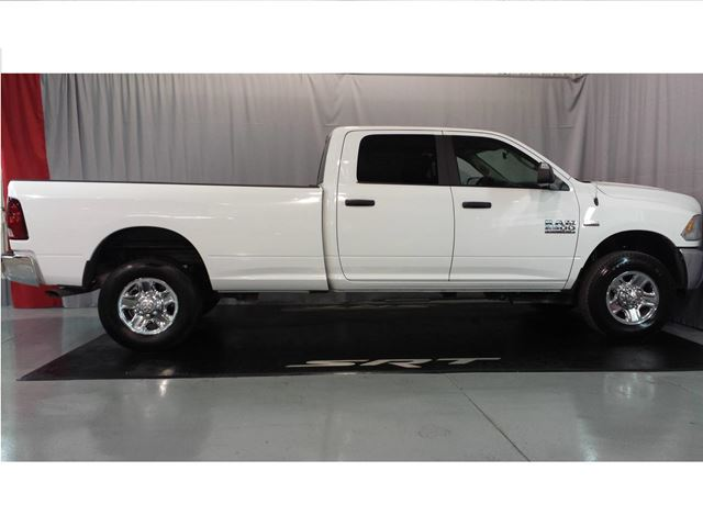 2016 dodge ram 2500 stl crew cab 4x4 boite 8pied chicoutimi quebec used car for sale 2671755. Black Bedroom Furniture Sets. Home Design Ideas