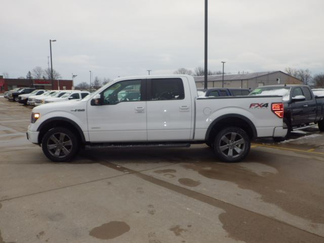 2014 ford f 150 fx4 crew ecoboost white haldimand motors. Black Bedroom Furniture Sets. Home Design Ideas
