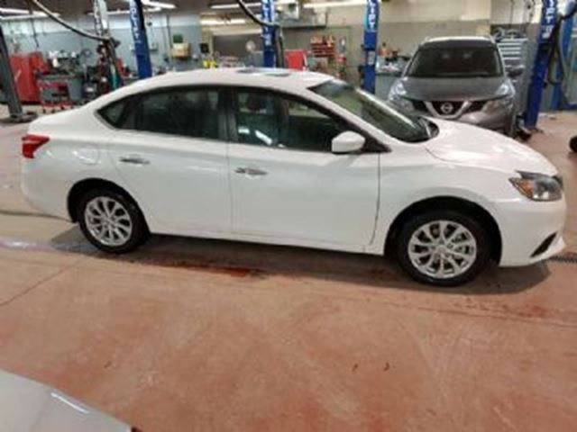 2017 nissan sentra sv moonroof style package mississauga ontario used car for sale 2672071. Black Bedroom Furniture Sets. Home Design Ideas