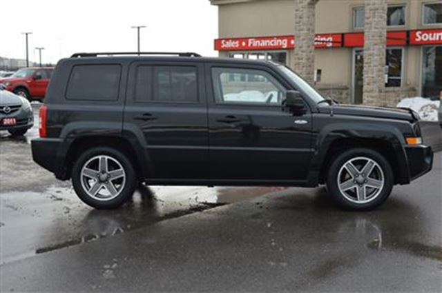 used 2009 jeep patriot i 4 cy north 4x4 only 87 000km ottawa. Black Bedroom Furniture Sets. Home Design Ideas