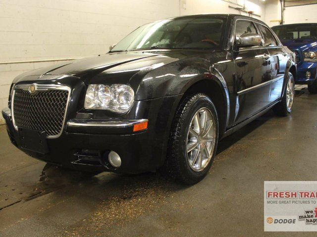2010 chrysler 300 limited all wheel drive leather sunroof black southtown chrysler. Black Bedroom Furniture Sets. Home Design Ideas