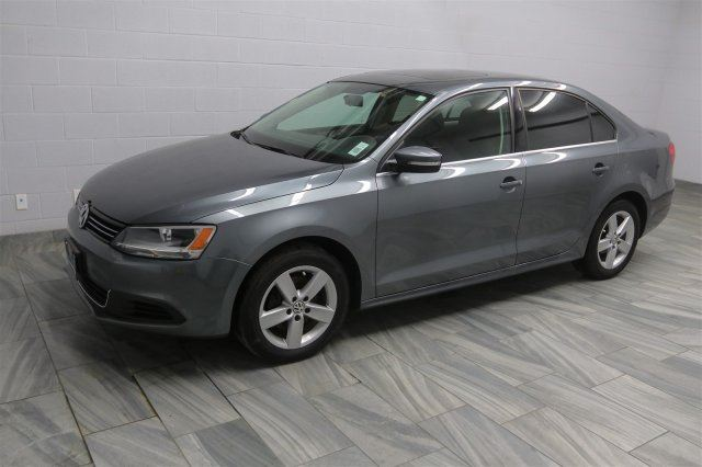 2013 volkswagen jetta se 5 speed heated seats sunroof keyless entry power package a c. Black Bedroom Furniture Sets. Home Design Ideas