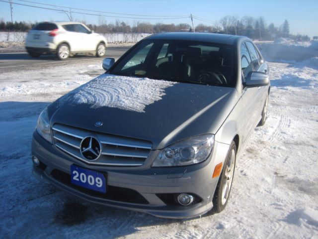 2009 mercedes benz c300 4matic only 105 566 km extra clean. Black Bedroom Furniture Sets. Home Design Ideas
