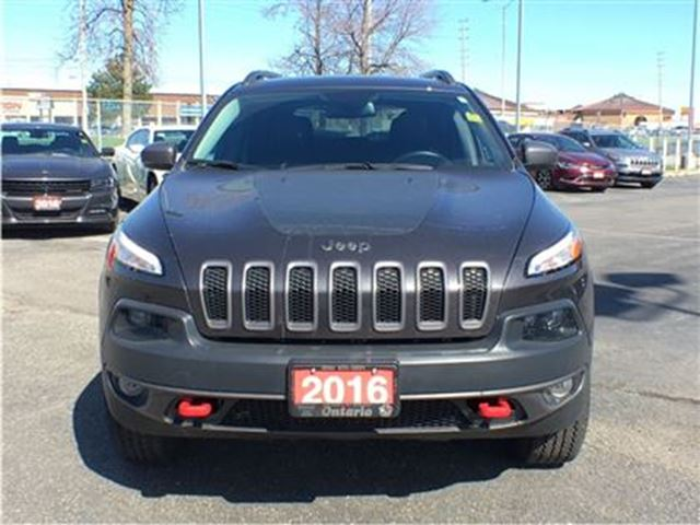 2016 jeep cherokee trailhawk 8 4 touchscreen navigation. Black Bedroom Furniture Sets. Home Design Ideas