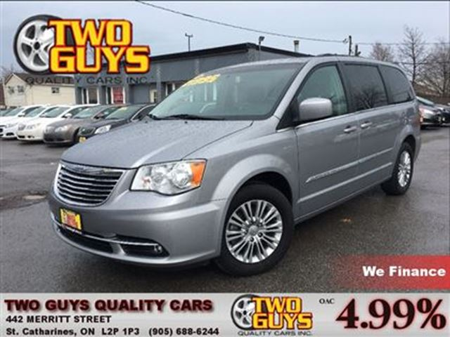 2015 Chrysler Town and Country Touring-L LEATHER STO N GO POWER DOORS in St Catharines, Ontario