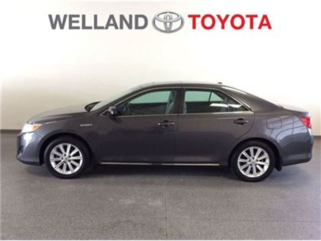 2013 toyota camry hybrid xle charcoal welland toyota. Black Bedroom Furniture Sets. Home Design Ideas