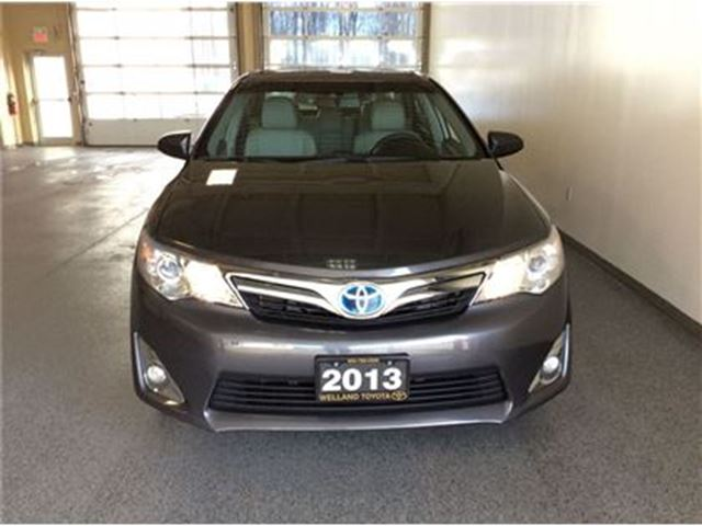 2013 toyota camry hybrid xle welland ontario used car for sale 2677381. Black Bedroom Furniture Sets. Home Design Ideas