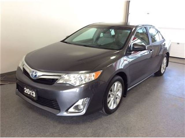 2013 toyota camry hybrid xle welland ontario used car. Black Bedroom Furniture Sets. Home Design Ideas