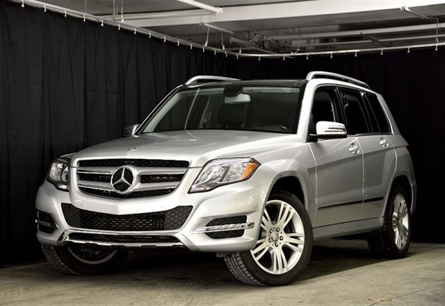 2014 mercedes benz glk class glk250 bluetec 4matic longueuil quebec used car for sale 2677305. Black Bedroom Furniture Sets. Home Design Ideas