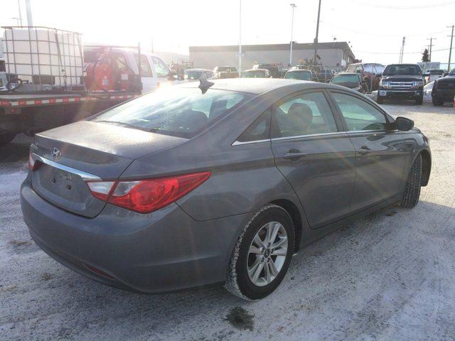 2013 hyundai sonata gls edmonton alberta used car for sale 2677770. Black Bedroom Furniture Sets. Home Design Ideas
