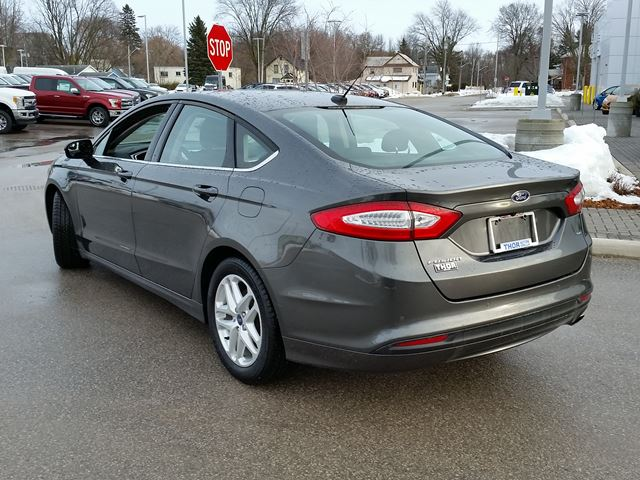 2015 ford fusion se orillia ontario used car for sale 2678735. Black Bedroom Furniture Sets. Home Design Ideas