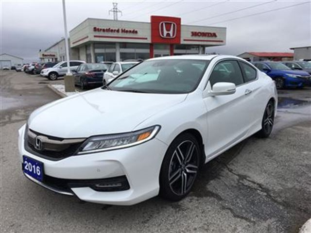 2016 honda accord touring stratford ontario car for sale 2678796. Black Bedroom Furniture Sets. Home Design Ideas