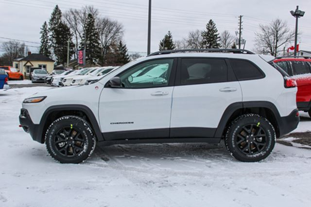 Jeep Cherokee White And Black >> 2017 Jeep Cherokee Trailhawk - St Thomas, Ontario Used Car ...