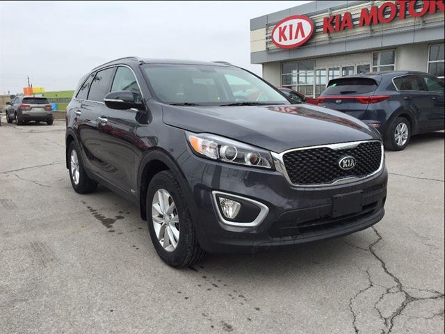 2017 kia sorento 2 4l lx 2 4l lx awd heated seats factory warranty newmarket ontario used. Black Bedroom Furniture Sets. Home Design Ideas