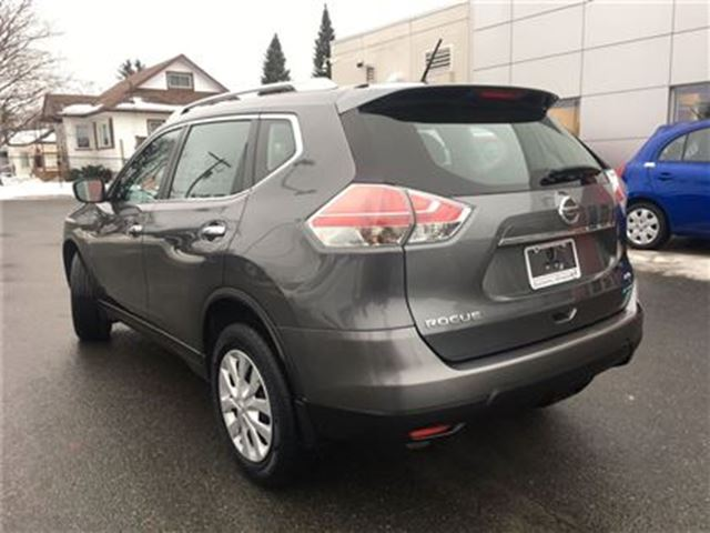 2014 nissan rogue s all wheel drive lindsay ontario used car for sale 2679576. Black Bedroom Furniture Sets. Home Design Ideas