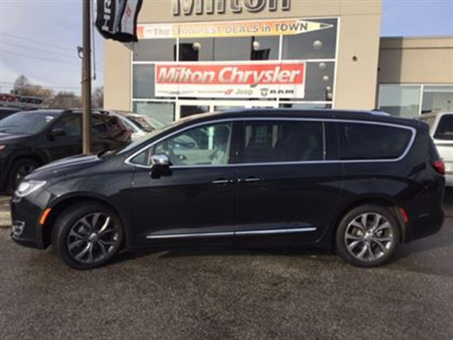 2017 chrysler pacifica limited milton ontario used car for sale 2680035. Black Bedroom Furniture Sets. Home Design Ideas
