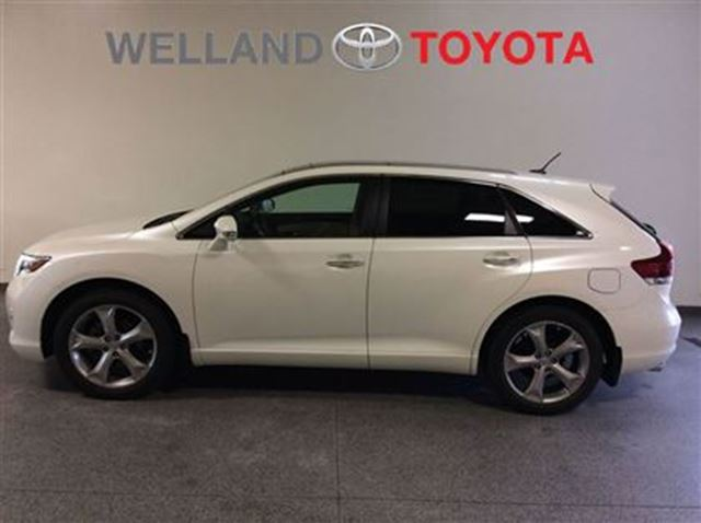 2016 toyota venza limited v6 awd welland ontario used car for sale 2680338. Black Bedroom Furniture Sets. Home Design Ideas