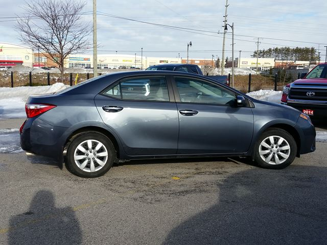 2014 toyota corolla aurora ontario used car for sale 2680201. Black Bedroom Furniture Sets. Home Design Ideas