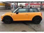 2016 MINI Cooper 3dr w/Essentials Package in Mississauga, Ontario