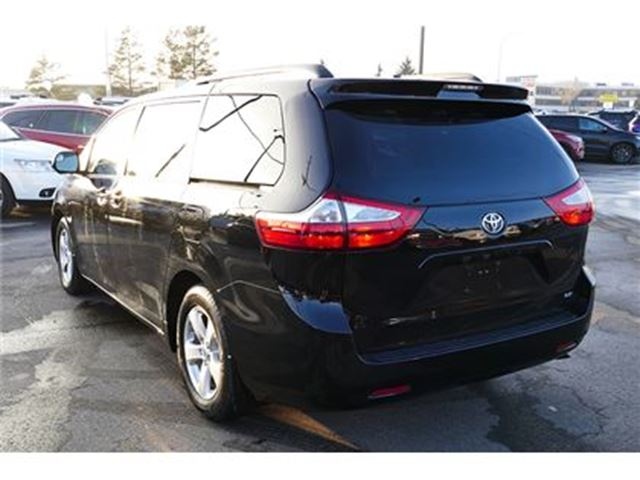 used 2016 toyota sienna v 6 cy le 8 passenger hot buy edmonton. Black Bedroom Furniture Sets. Home Design Ideas