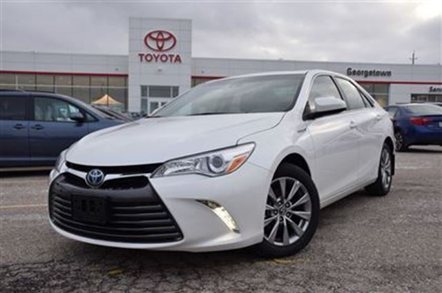 2017 toyota camry hybrid xle white georgetown toyota. Black Bedroom Furniture Sets. Home Design Ideas