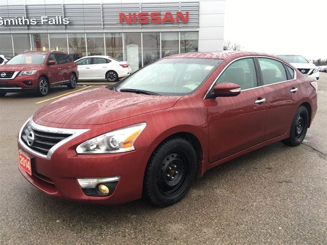 2014 nissan altima smiths falls ontario used car for sale 2680791. Black Bedroom Furniture Sets. Home Design Ideas