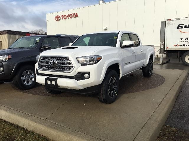 2017 toyota tacoma 4x4 dbl cab v6 sr5 trd sport cobourg ontario used car for sale 2681239. Black Bedroom Furniture Sets. Home Design Ideas