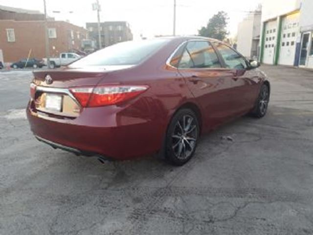 2016 toyota camry xse with xse premium package mississauga ontario used car for sale 2681461. Black Bedroom Furniture Sets. Home Design Ideas