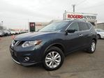 2016 Nissan Rogue SV AWD - NAVI - PANORAMIC ROOF in Oakville, Ontario